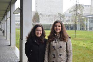 Sofia Assis, Vice-Presidente do Núcleo de Estudantes de Bioengenharia (NEB) e Filipa Castro, Coordenadora do Departamento de Relações Externas do NEB