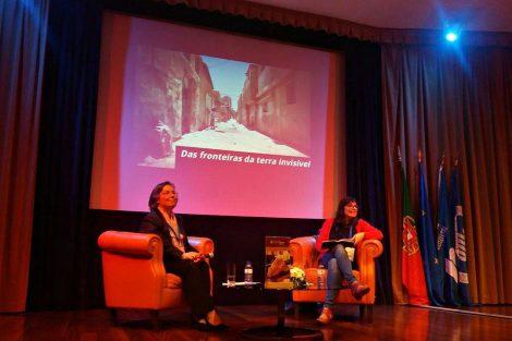 Moderadora do debate e Vanessa Rodrigues, professora de Jornalismo na Universidade Lusófona