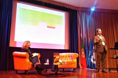 Moderadora do debate e Carlos Furtado, diretor na QI|Porto de Ideias