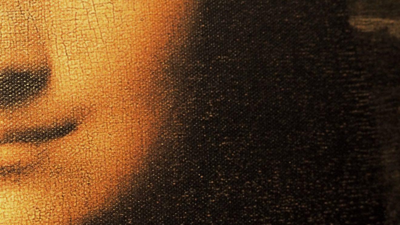"""""""Mona Lisa"""" - Pintura mais destacada de Leonardo da Vinci e obra-prima da arte, também das mais admiradas pelo público, deve em parte a sua fama às questões levantadas no que diz respeito à identificação da retratada e ao significado da pintura; por outro lado, foi uma tentativa de roubo do Museu do Louvre que a tornou na obra mais falada e visitada de sempre. Várias inovações pictóricas podem nela ser observadas: a composição piramidal, a perspetiva atmosférica, o claro-escuro e o sfumato, todas elas revolucionárias e características de Leonardo, resultados dos seus estudos de ótica. Foi através destes efeitos técnicos que conseguiu o enigmático sorriso, envolto em densidade e ambiência, uma construção da forma para além do seu próprio corpo sólido, conferindo-lhe uma tal intensidade expressiva que faz multiplicar estudos e teorias na tentativa de o interpretar."""