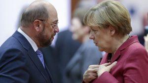 Schulz e Merkel | Foto: EPA/OLIVIER HOSLET