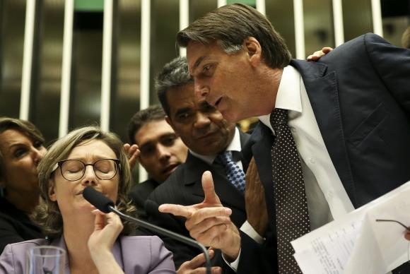 Bolsonaro confirma convite a Magno Malta como seu vice