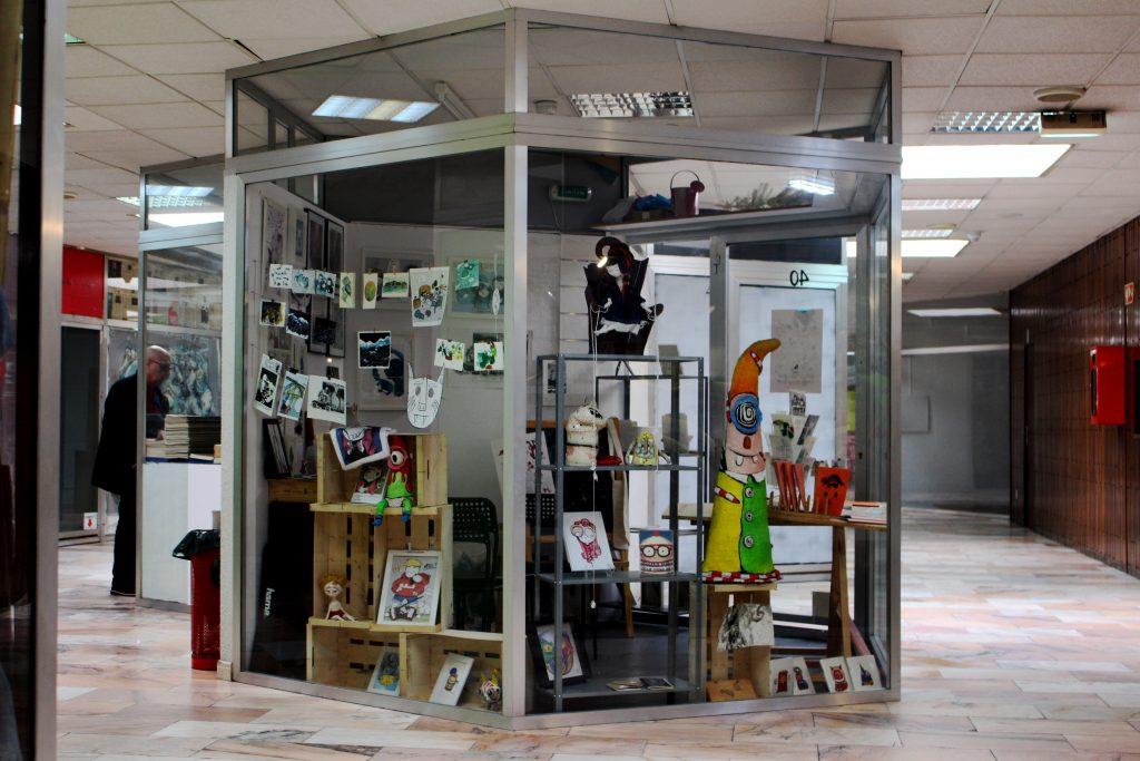 Ponto de venda no Centro Comercial de Cedofeita | Fotografia de Carolina Nogueira