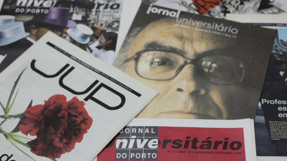 Edições do JUP impressas. Fotografia por Rita Pais Santos.
