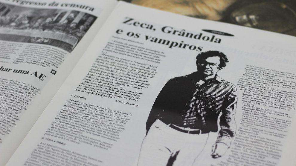 Páginas de uma das edições impressas do JUP. Fotografia por Rita Pais Santos.