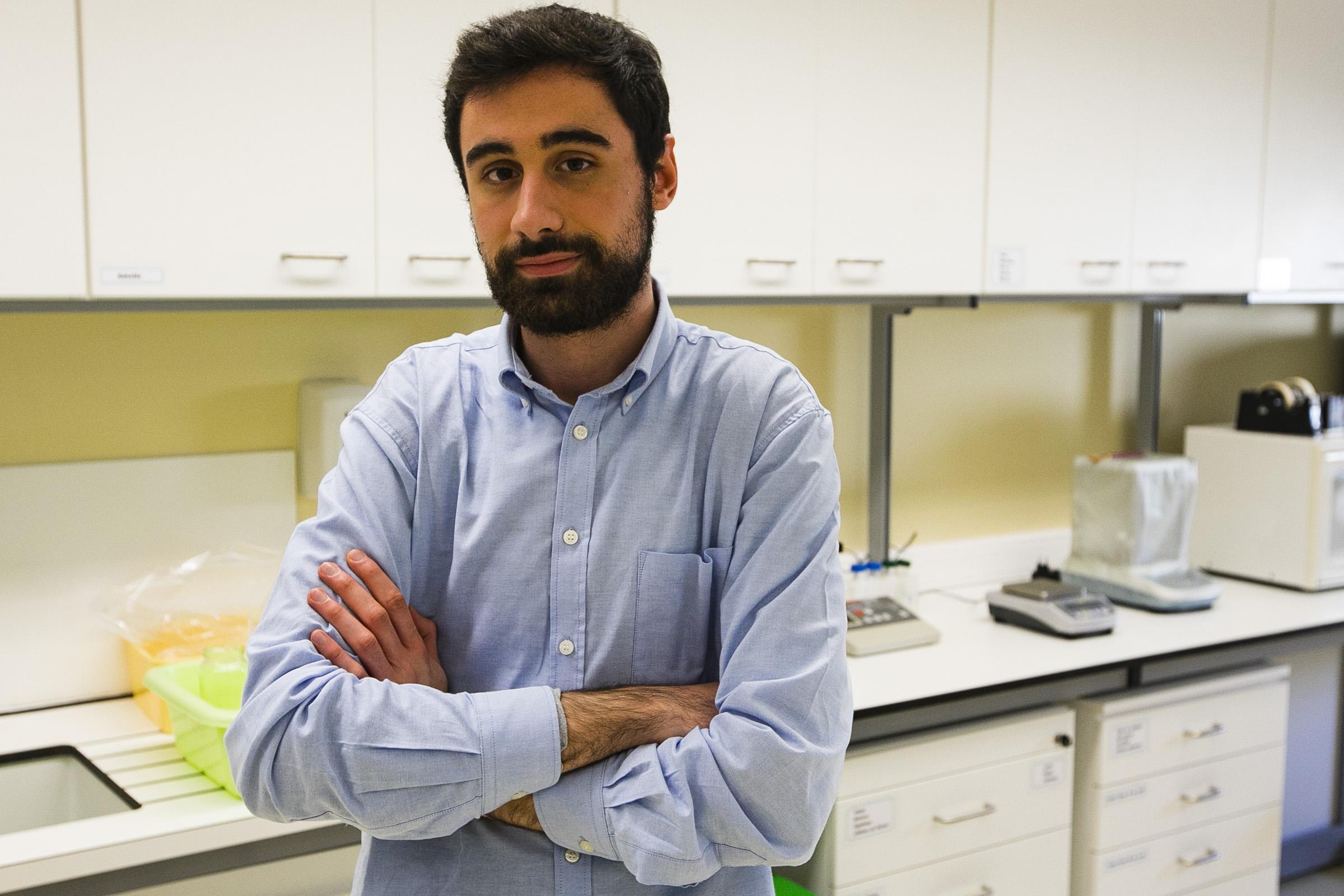 Bruno Sousa estudou o metabolismo de tomateiros expostos a diclofenac. Fotografia: Miguel Marques Ribeiro.