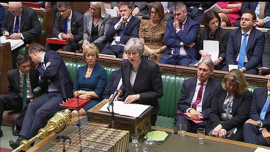 Theresa May tenta agora negociar um acordo que passe no parlamento [Foto: Reuters]