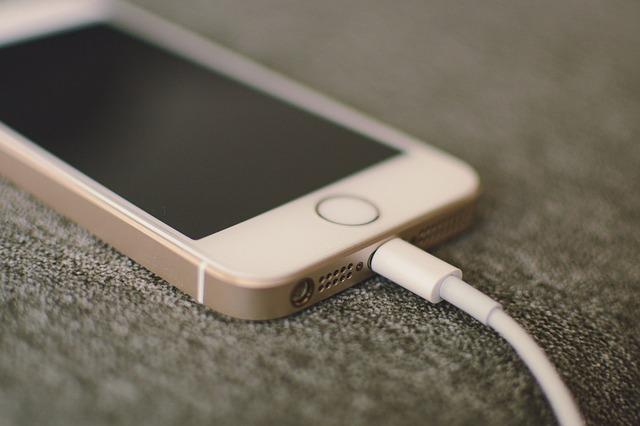 i-phone-2547677_640