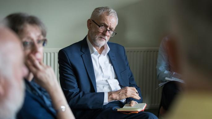 O líder dos trabalhistas, Jeremy Corbyn, defende a proximidade com a UE pós-Brexit [Foto: Aaron Chown/PA]