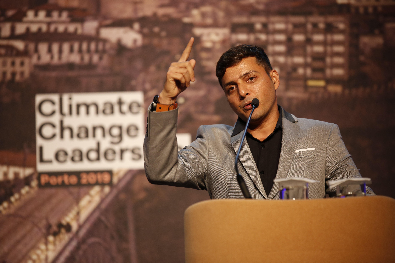 Afroz Shah partilhou a sua experiência de advogado tornado activista climático pela sua paixão pelo Oceano.