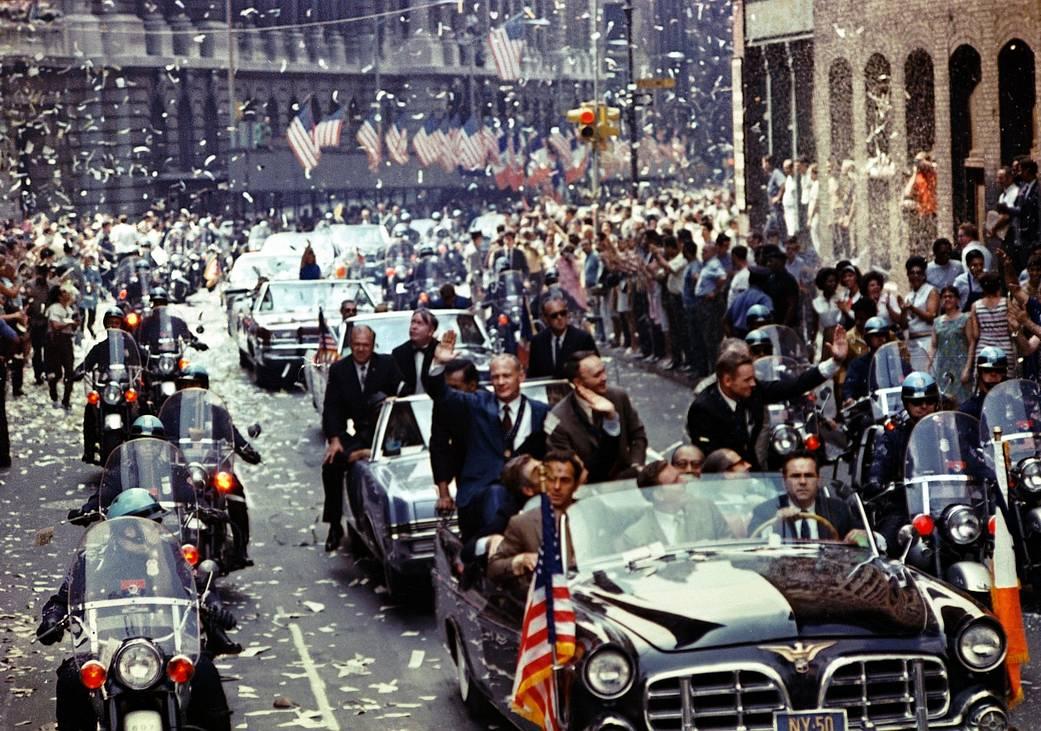 Nova Iorque recebe a equipa da Apollo 11 em desfile na Broadway e Park Avenue. Fotografia: NASA.