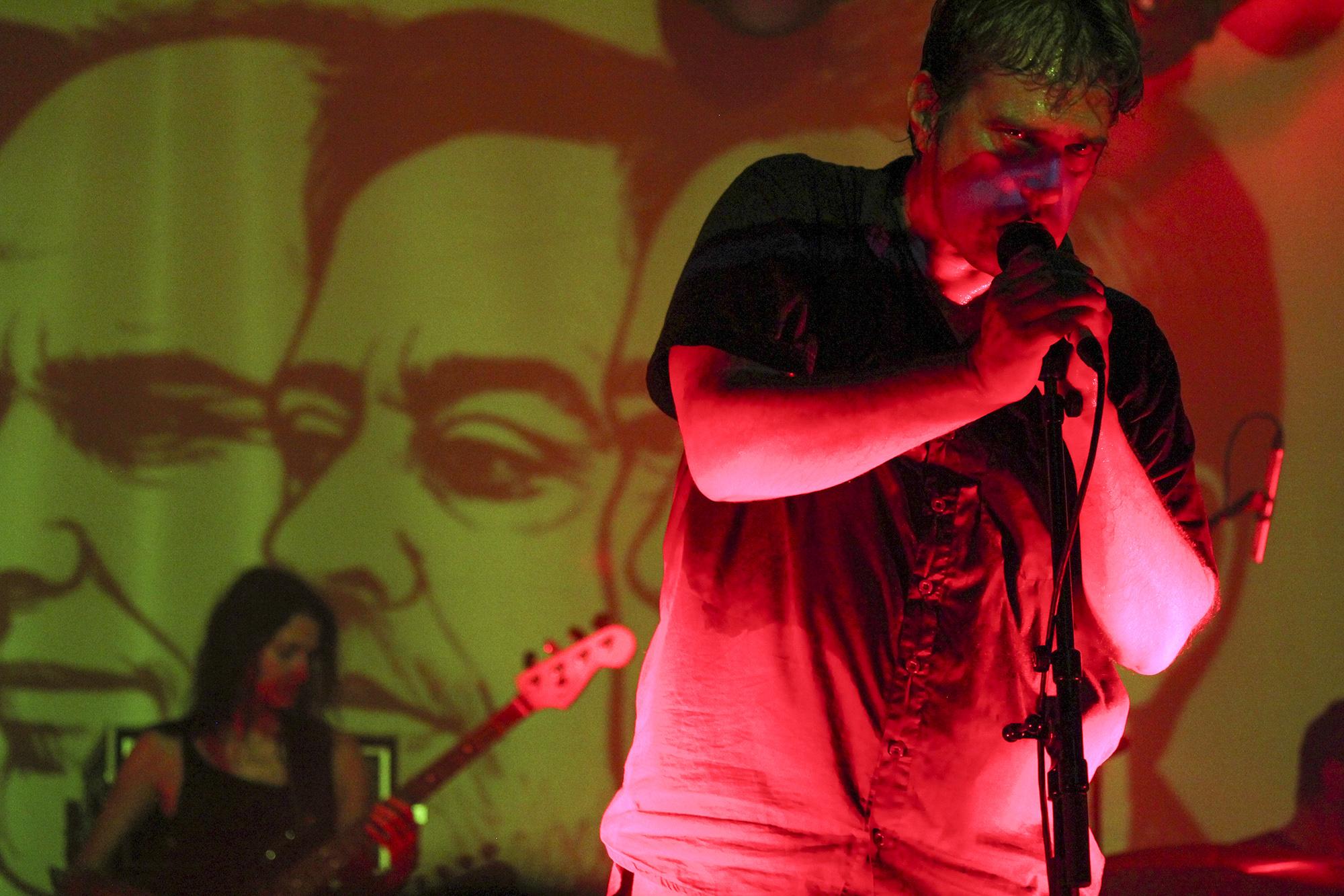 Mão Morta ao vivo no Hard Club, no Porto, em 2014. Fotografia de: Miguel Marques Ribeiro