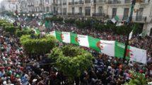 Argelinos seguem em protesto nas ruas desde fevererio de 2019 - Agência Anadolu/ Farouk Batiche