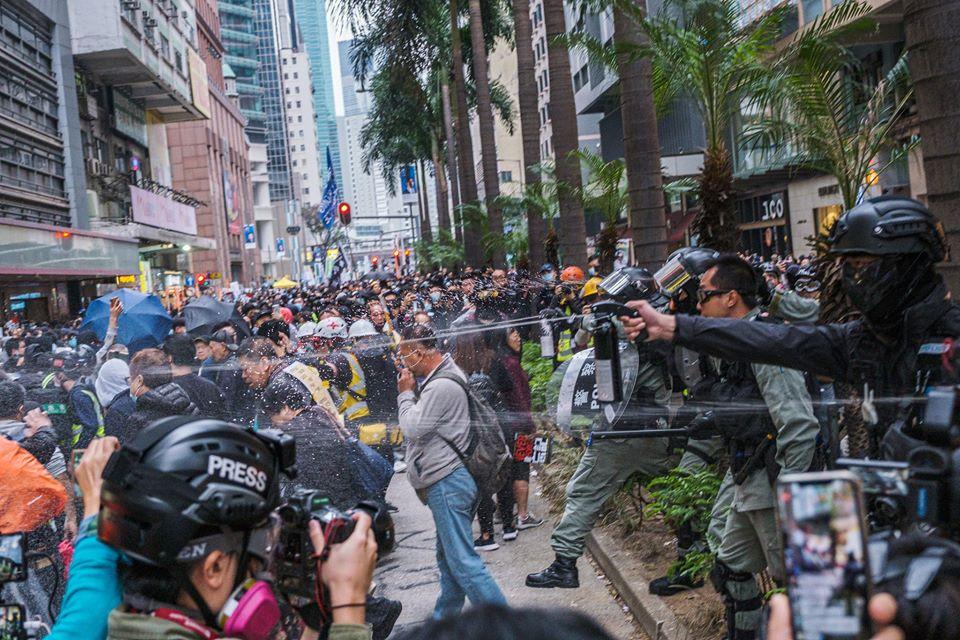 Protestos em Hong Kong no dia 1 de Janeiro de 2020. Foto: Studio Incendo