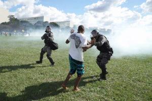 Fotograma do filme documentário 'Democracia em Vertigem', de Petra Costa. Fonte: democraciaemvertigem.com