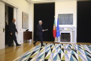 O Primeiro-ministro António Costa à entrada da conferência de imprensa, no Palácio de São Bento. Foto: Expresso
