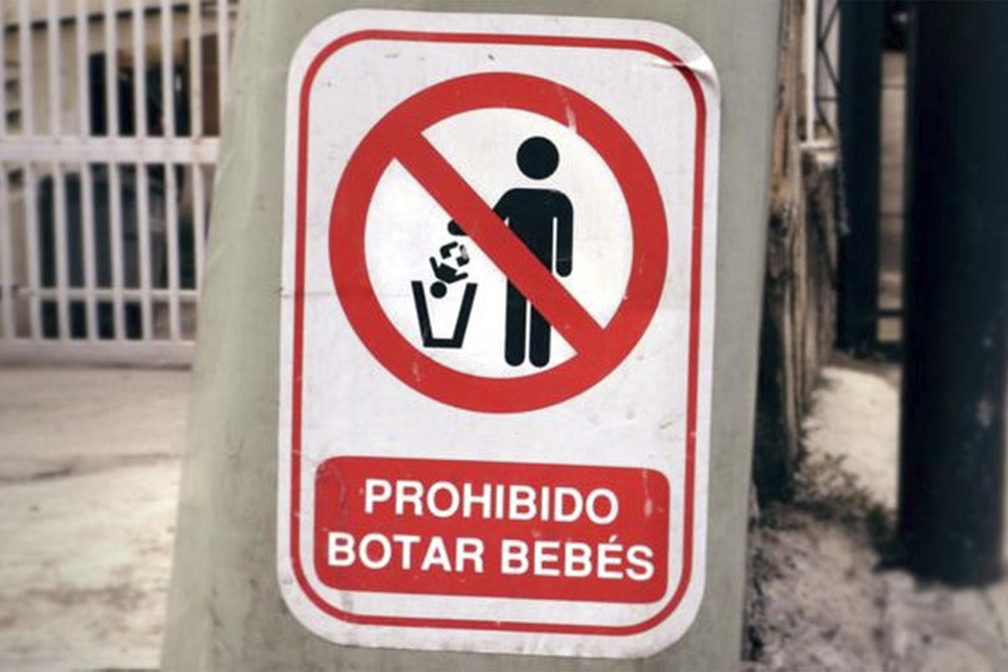 O abandono ou a entrega de bebês são frequentes na Venezuela — Foto: Guillermo D. Olmo/ BBC